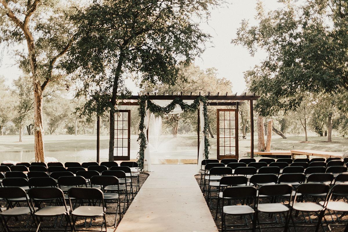 kaitlyn-alex-bentwood-georgetown-texas-wedding-photographer-3.jpg