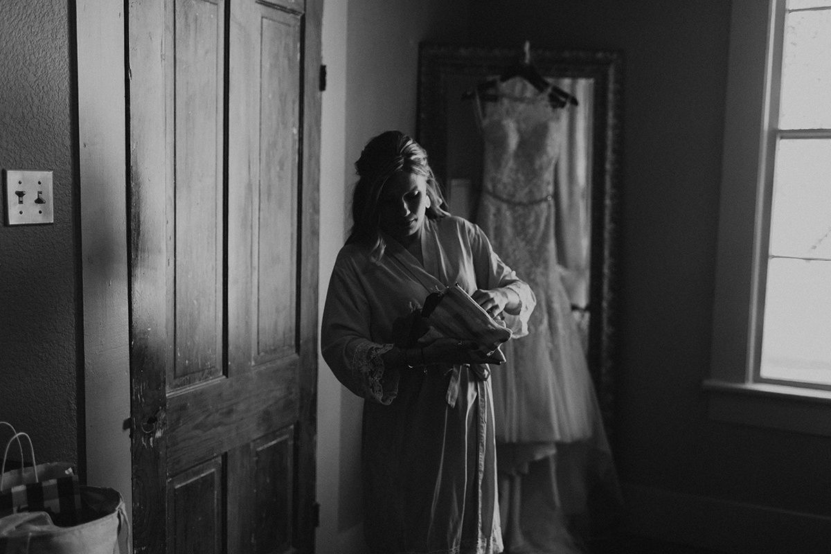 kaitlyn-alex-bentwood-georgetown-texas-wedding-photographer-311-2.jpg