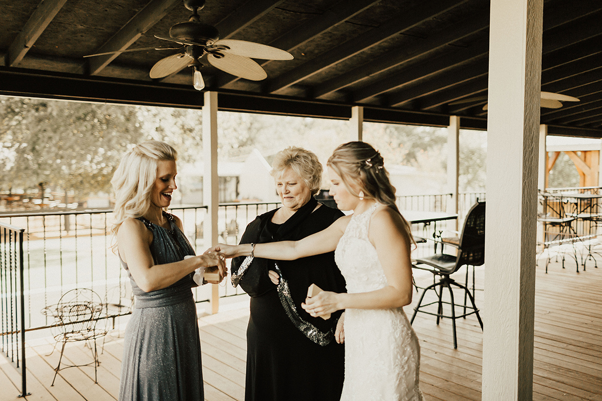kaitlyn-alex-bentwood-georgetown-texas-wedding-photographer-812.jpg