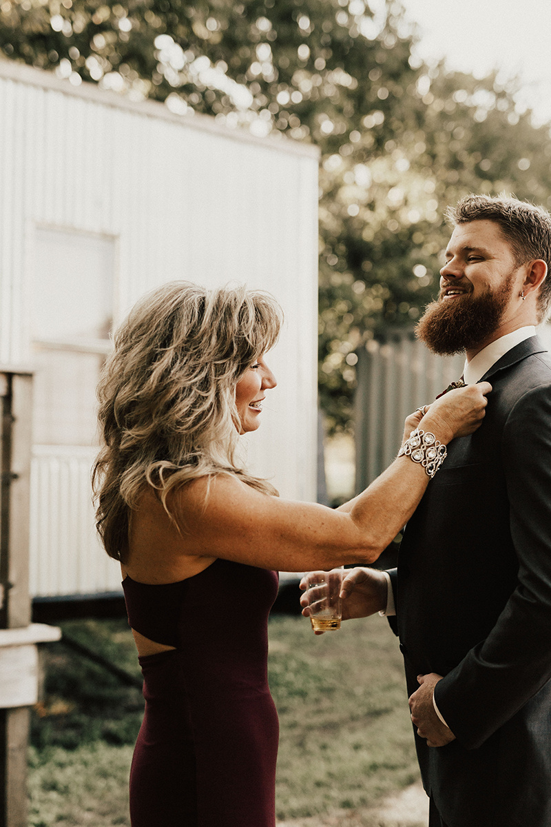 kaitlyn-alex-bentwood-georgetown-texas-wedding-photographer-976.jpg