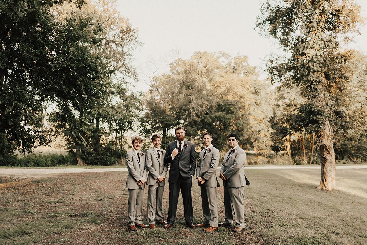 kaitlyn-alex-bentwood-georgetown-texas-wedding-photographer-1364.jpg