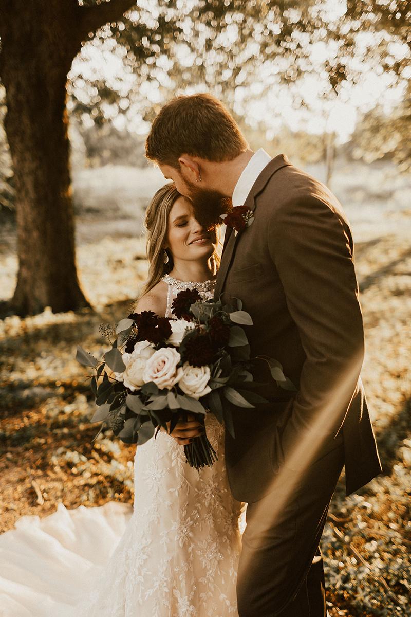 kaitlyn-alex-bentwood-georgetown-texas-wedding-photographer-2219.jpg