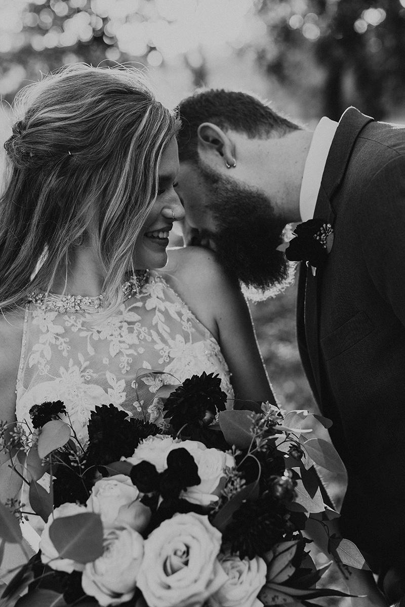 kaitlyn-alex-bentwood-georgetown-texas-wedding-photographer-2376-2.jpg