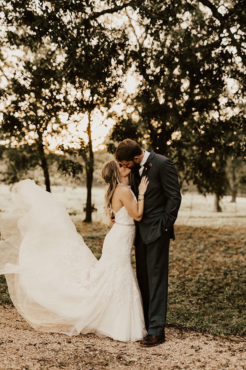 kaitlyn-alex-bentwood-georgetown-texas-wedding-photographer-2543.jpg