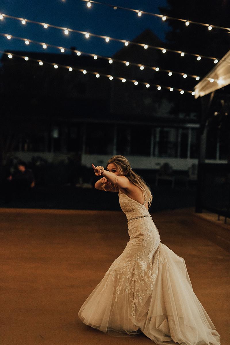 kaitlyn-alex-bentwood-georgetown-texas-wedding-photographer-2669.jpg