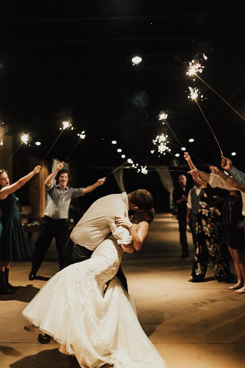 kaitlyn-alex-bentwood-georgetown-texas-wedding-photographer-3960.jpg
