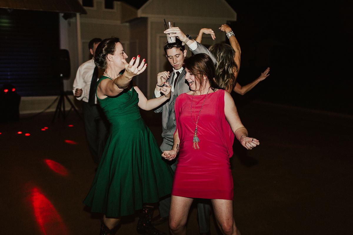 kaitlyn-alex-bentwood-georgetown-texas-wedding-photographer-3219.jpg