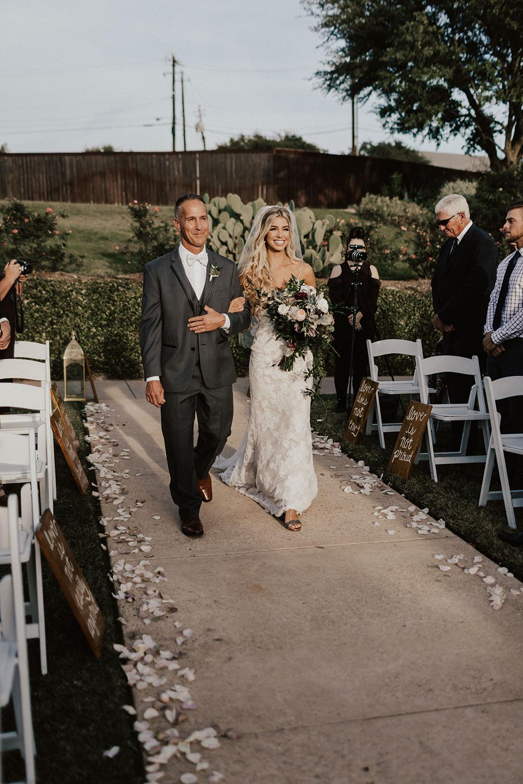 allie-tyler-vintage-villas-austin-texas-wedding-photographer-2255.jpg