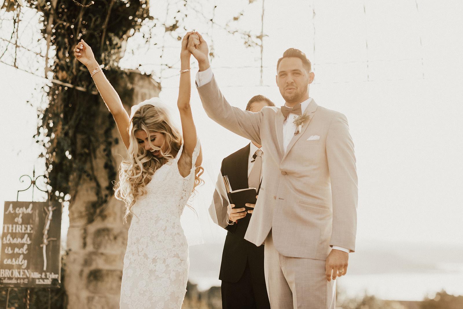 allie-tyler-vintage-villas-austin-texas-wedding-photographer-2656.jpg