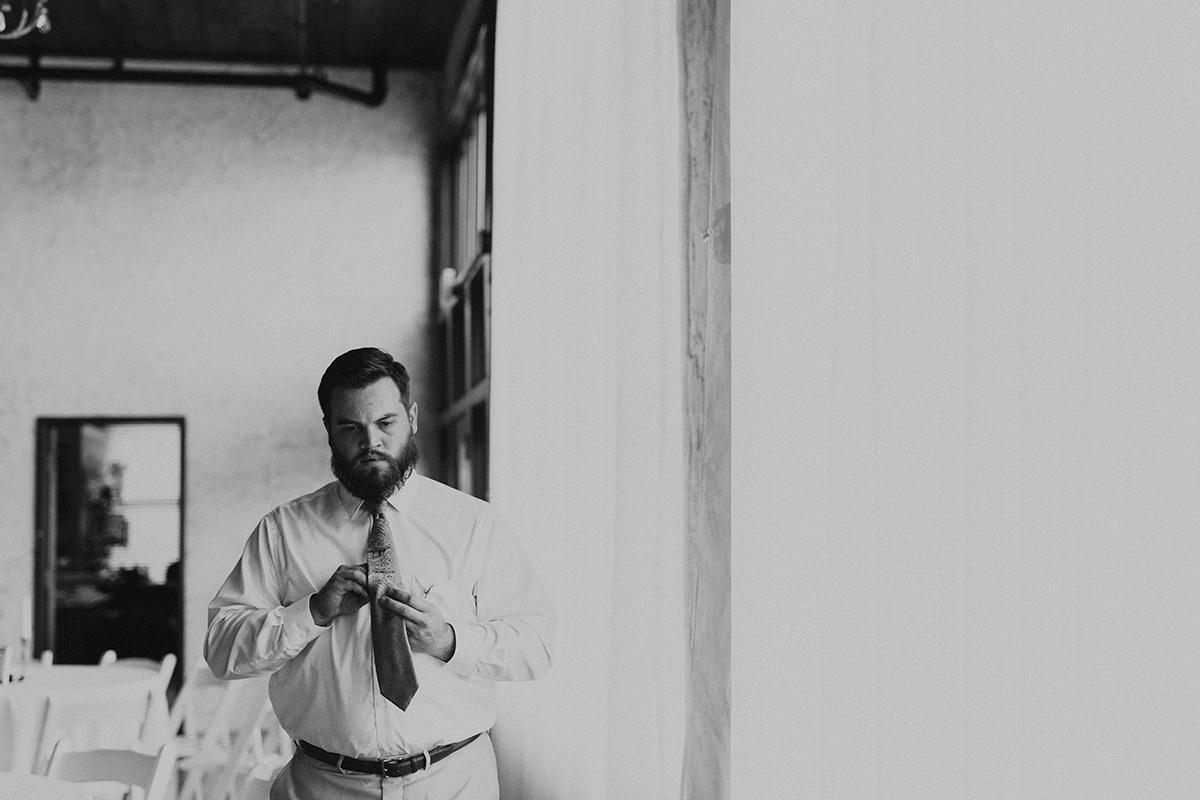 morgan-ben-the-phoenix-waco-texas-wedding-photographer-590-2.jpg