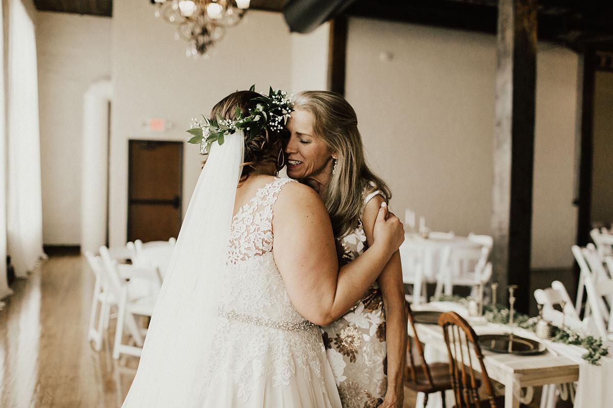 morgan-ben-the-phoenix-waco-texas-wedding-photographer-1175.jpg