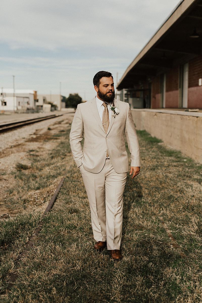 morgan-ben-the-phoenix-waco-texas-wedding-photographer-2192.jpg