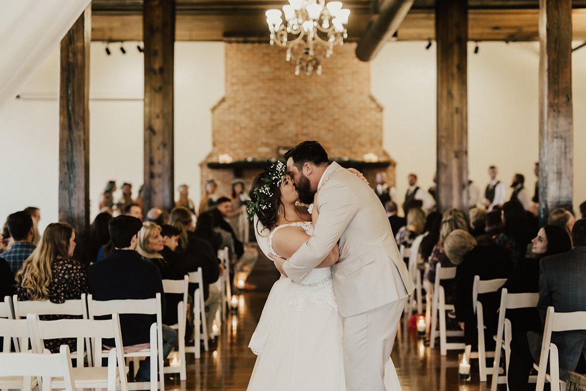 morgan-ben-the-phoenix-waco-texas-wedding-photographer-2588.jpg