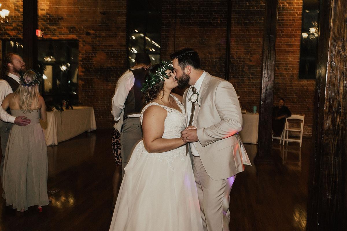 morgan-ben-the-phoenix-waco-texas-wedding-photographer-3773.jpg