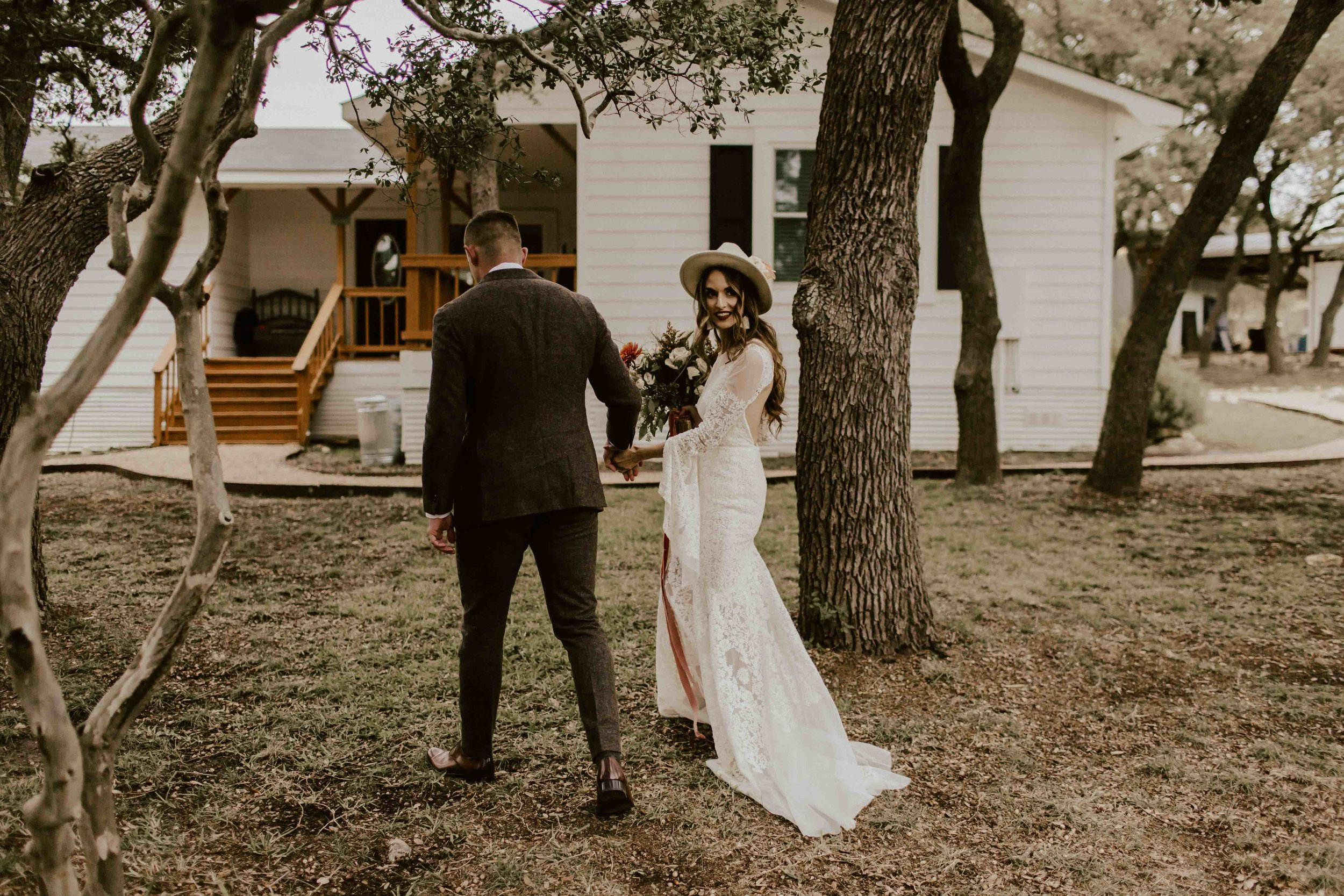 fall-intimate-vow-renewal-austin-texas-wedding-photographer-1492.jpg