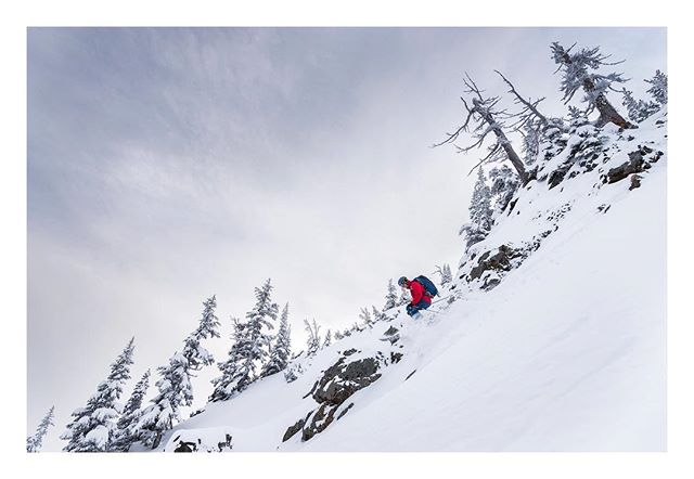 @dan0tter performs some air quality sampling yesterday in the Crystal Mountain backcountry.  Results were above average.  #backcountryskiing #crystalmountain #powhub #chasingwinter  @theskijournal @outdoorresearch @winterwildlandsalliance