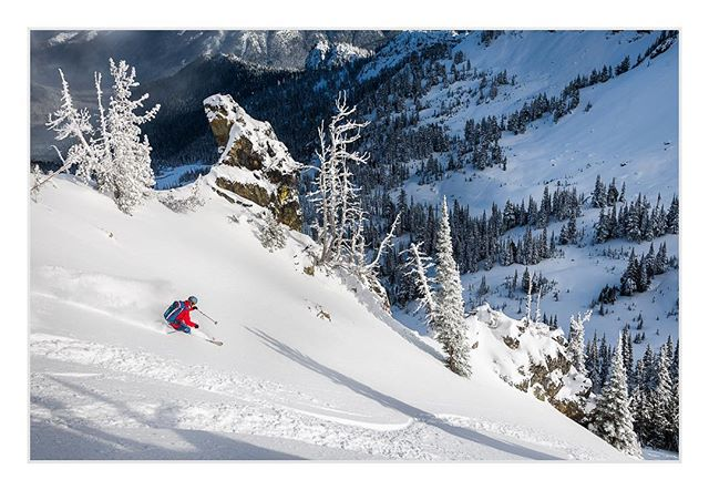 While the storms are taking a break, it's nice to look back at the sweet snow we've had so far.  Stacking tracks in perfect settled powder on a sunny day in the Crystal Mountain backcountry.  #backcountryskiing #washington #earnyourturns @theskijournal @adventurejournal @winterwildlandsalliance