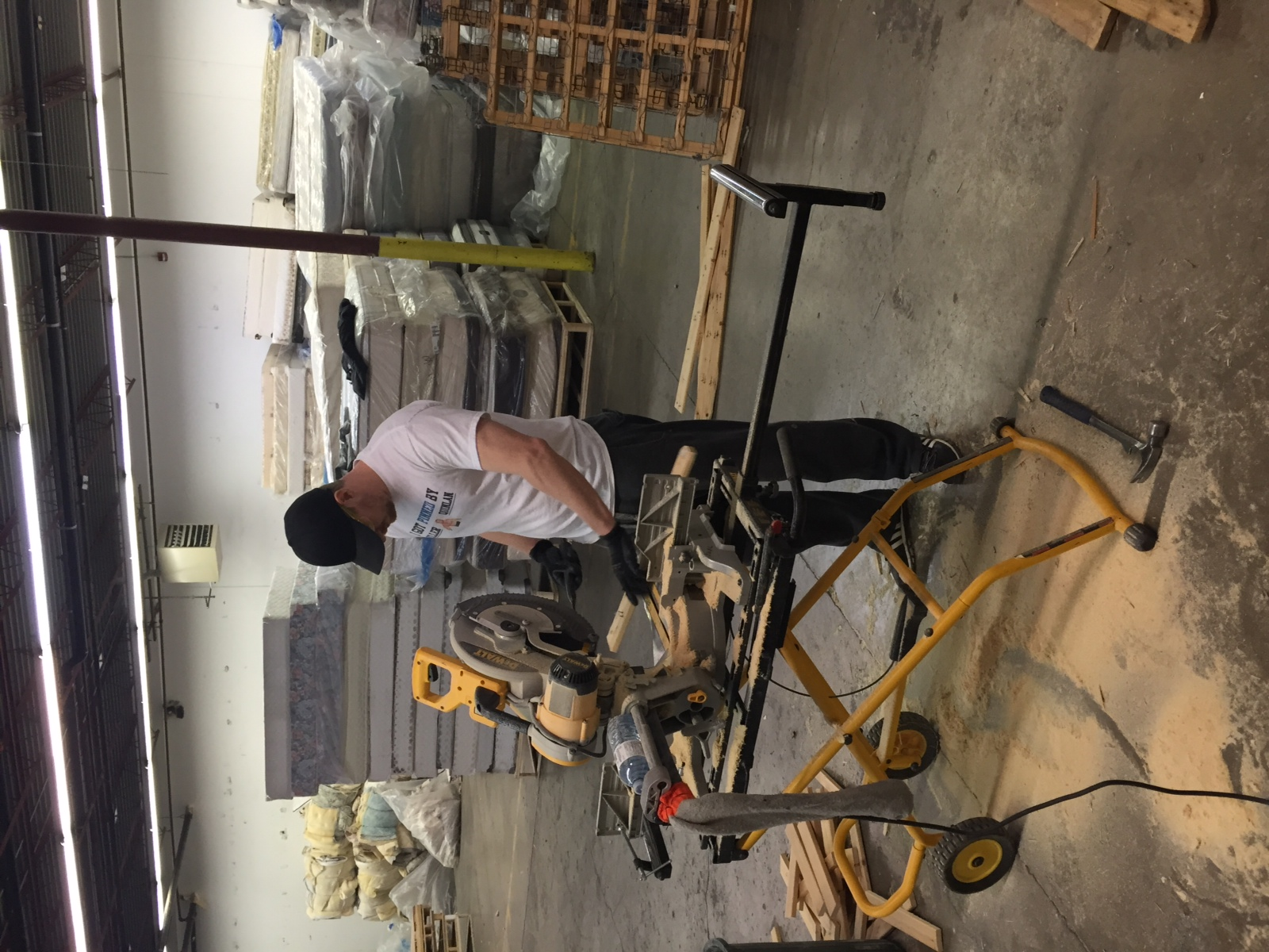 Re-Matt Team Recycling Wood from Box-Springs