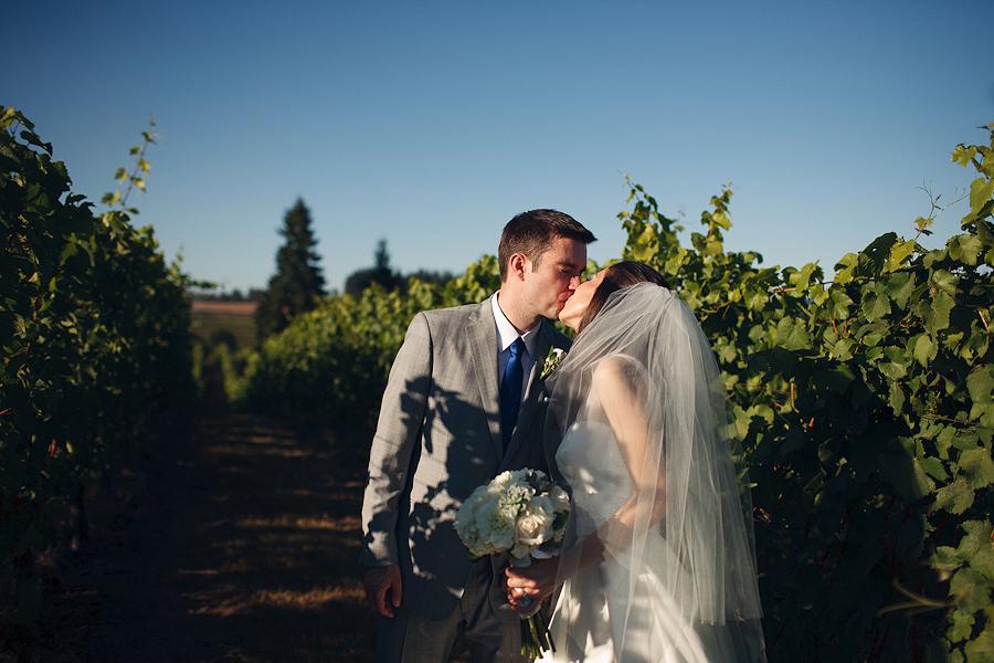 Hawks-View-Cellars-Wedding-Photographs-060