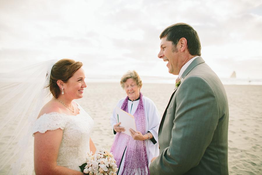 Cannon-Beach-Wedding-043.JPG