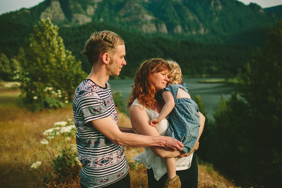 Columbia-River-Gorge-Family-Photographs-16.jpg