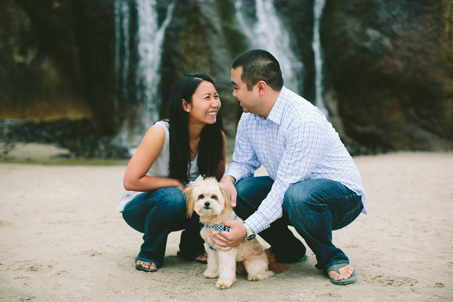 Cannon-Beach-Engagement-Photographs-9.jpg