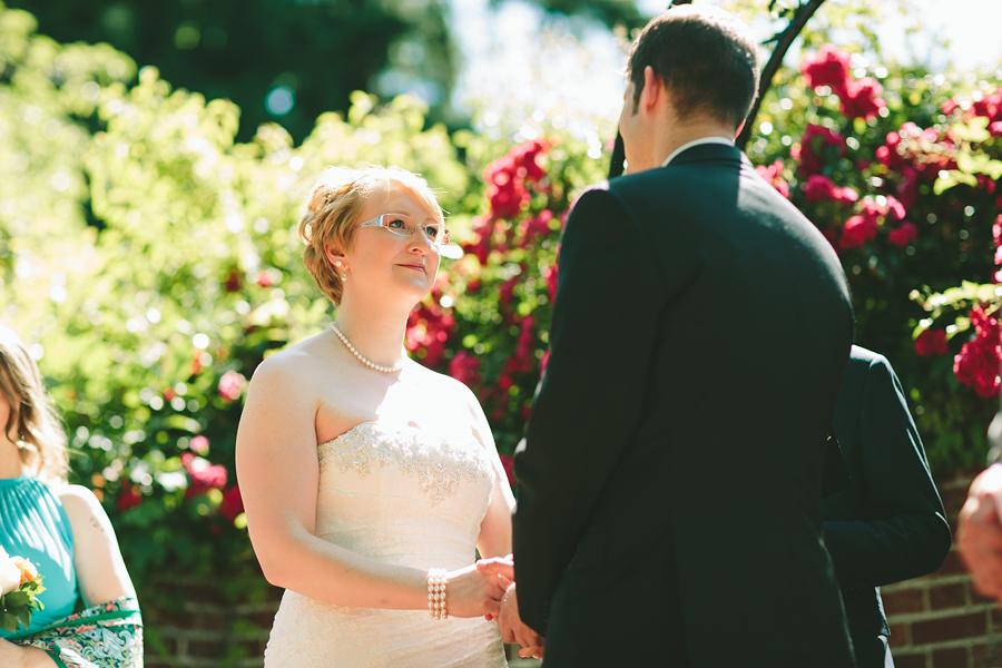 Portland-Rose-Garden-Wedding-Photographs-22.jpg