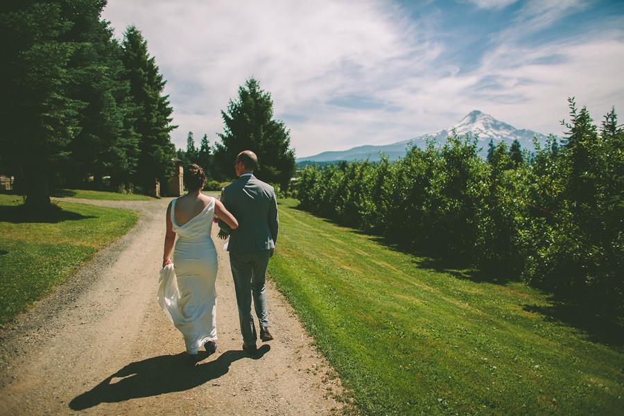 Mt-Hood-Organic-Farms-Wedding-25.jpg