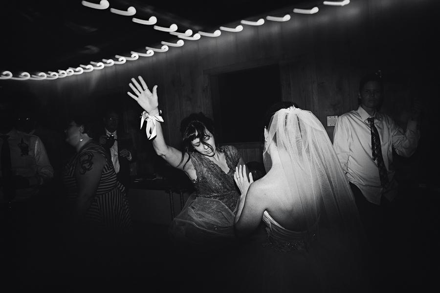 Bridal-Veil-Lakes-Wedding-154.jpg