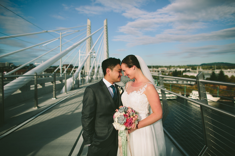 Tilikum-Crossing-Wedding-Photographs-2.jpg