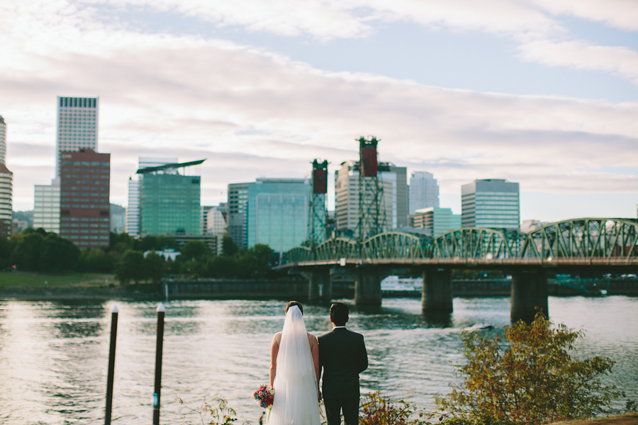 Tilikum-Crossing-Wedding-Photographs-4.jpg
