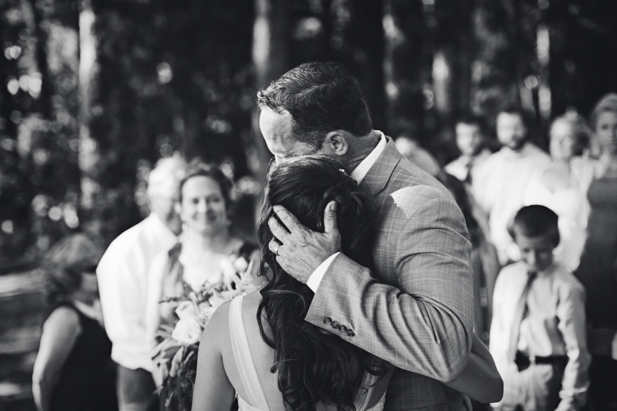 Vista-Hills-Vineyard-Wedding-Photographs-21.jpg