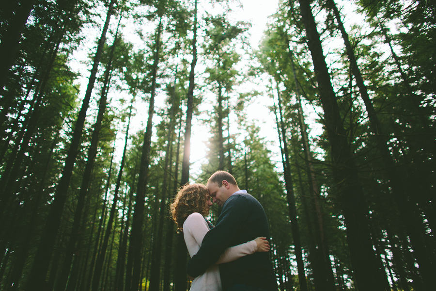 Oregon-Garden-Engagement-Photographs-2.jpg