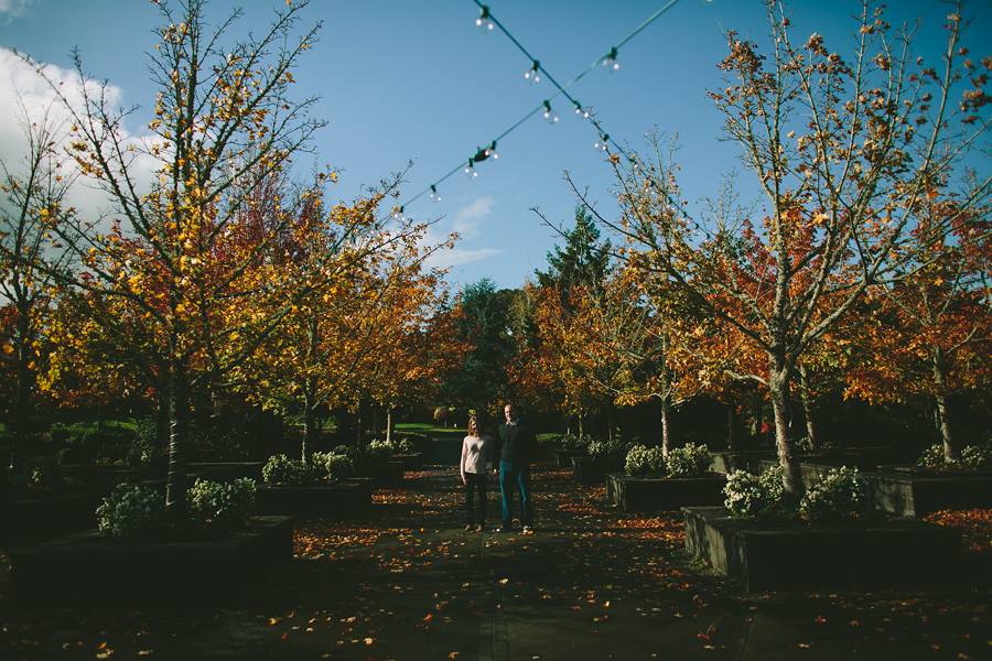 Oregon-Garden-Engagement-Photographs-8.jpg