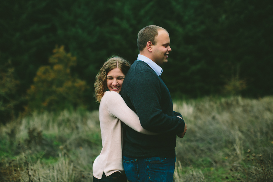 Oregon-Garden-Engagement-Photographs-11.jpg