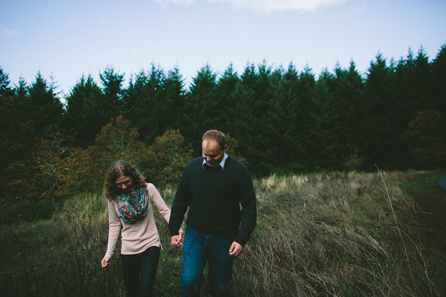 Oregon-Garden-Engagement-Photographs-14.jpg