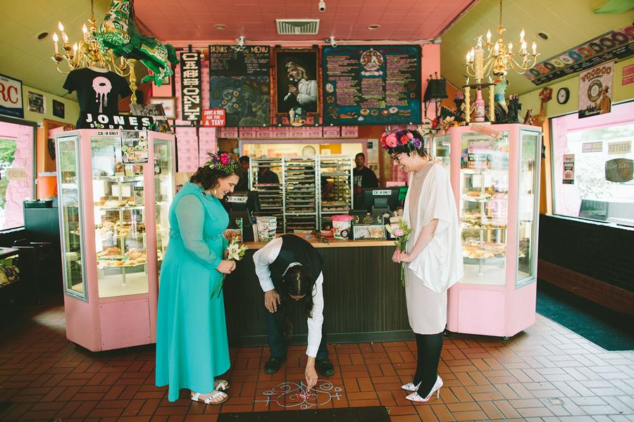 Voodoo-Donuts-Wedding-48.jpg