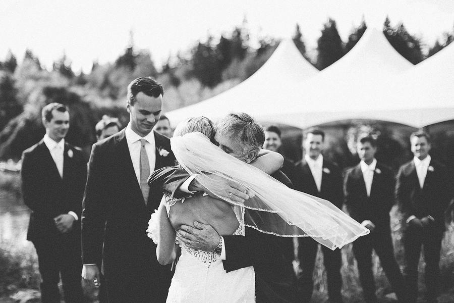 Mt-Hood-Bed-and-Breakfast-Wedding-Photos-3.jpg