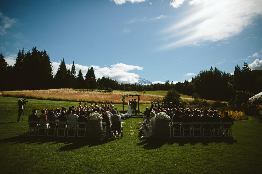 Mt-Hood-Bed-and-Breakfast-Wedding-Photos-4.jpg