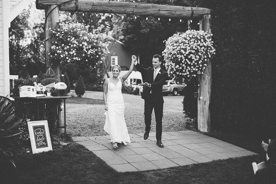 Mt-Hood-Bed-and-Breakfast-Wedding-Photos-10.jpg