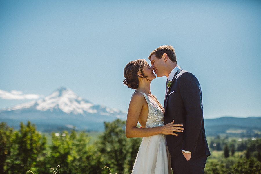 Mt-Hood-Wedding-Organic-Farms-Wedding-Photographs-27.jpg