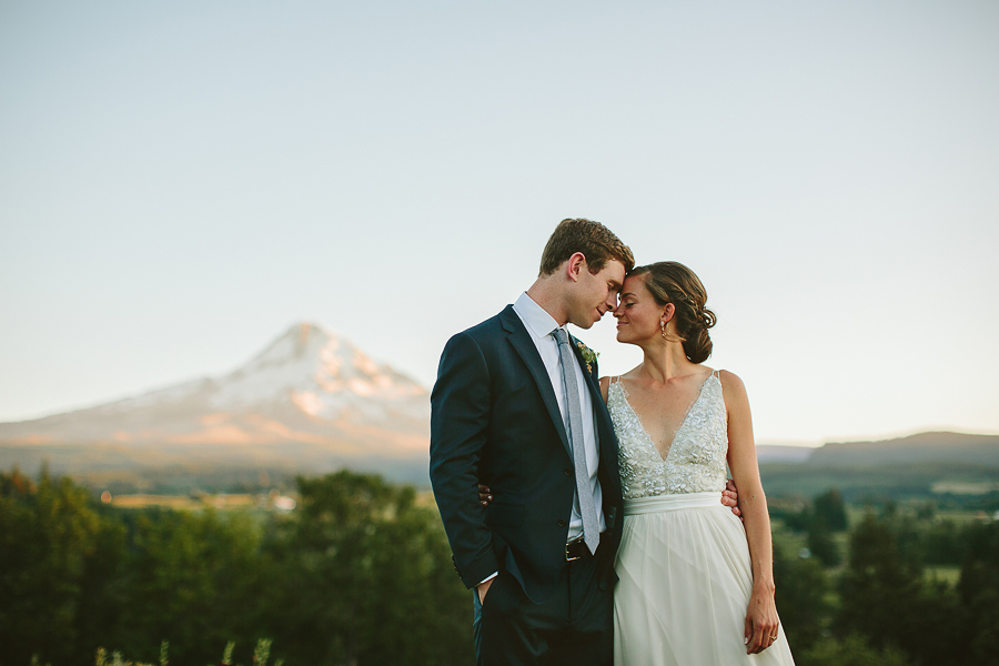 Mt-Hood-Wedding-Organic-Farms-Wedding-Photographs-100.jpg