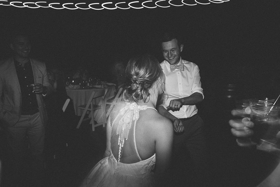 Black-Butte-Ranch-Wedding-Photos-15.jpg