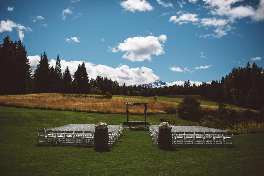 Mt-Hood-Bed-and-Breakfast-Wedding-Photos-27.jpg