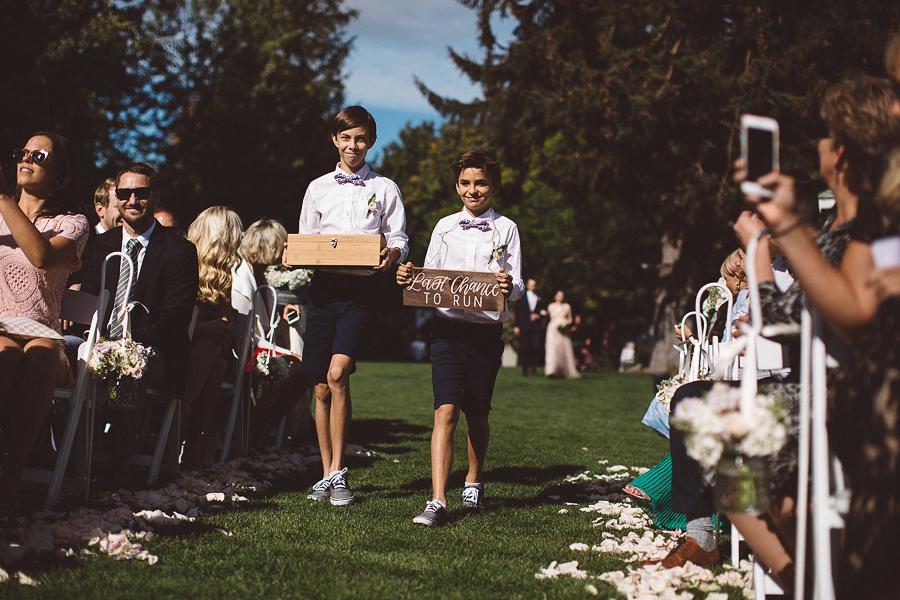 Mt-Hood-Bed-and-Breakfast-Wedding-Photos-39.jpg