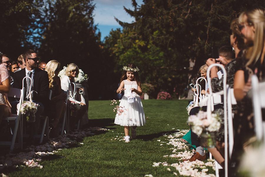 Mt-Hood-Bed-and-Breakfast-Wedding-Photos-40.jpg