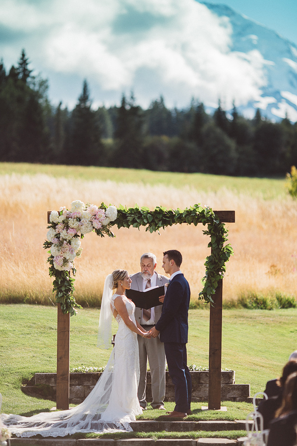 Mt-Hood-Bed-and-Breakfast-Wedding-Photos-48.jpg