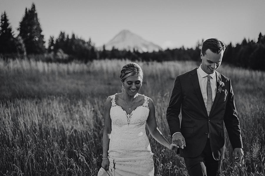 Mt-Hood-Bed-and-Breakfast-Wedding-Photos-113.jpg