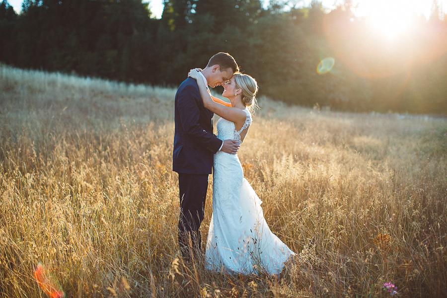 Mt-Hood-Bed-and-Breakfast-Wedding-Photos-115.jpg