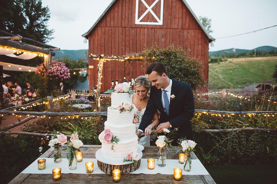 Mt-Hood-Bed-and-Breakfast-Wedding-Photos-130.jpg